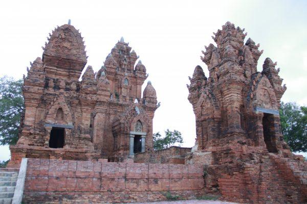 Một số nét độc đáo của khu du lịch Tháp Chàm- Ninh Thuận